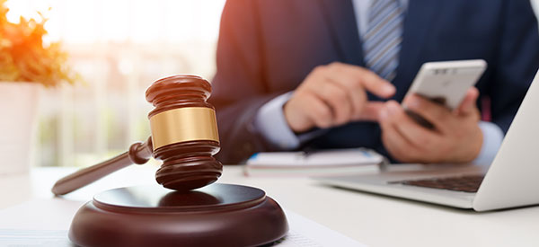 Compare lawyers' fees to find reliable legal services at the right price