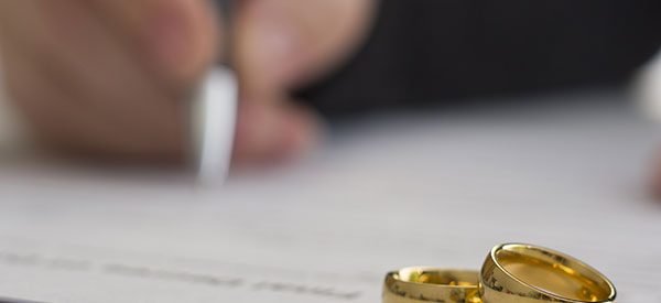 Get advice from a family law expert in Blainville before contracting marriage.