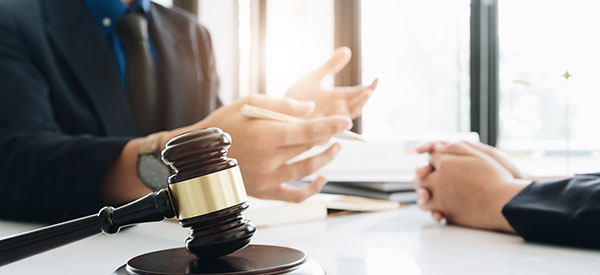 Understand the different types of lawyers to find the right one for your dispute
